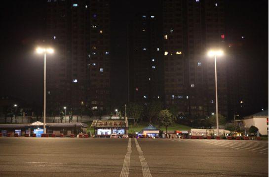 """重庆绿色科技路灯照明""""黑科技""""亮相智博会钻井设备"""